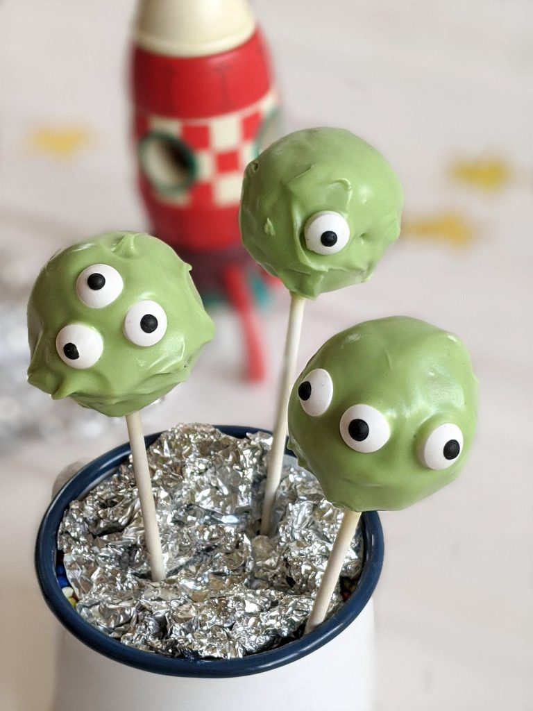 Monster-Cake-Pops backen