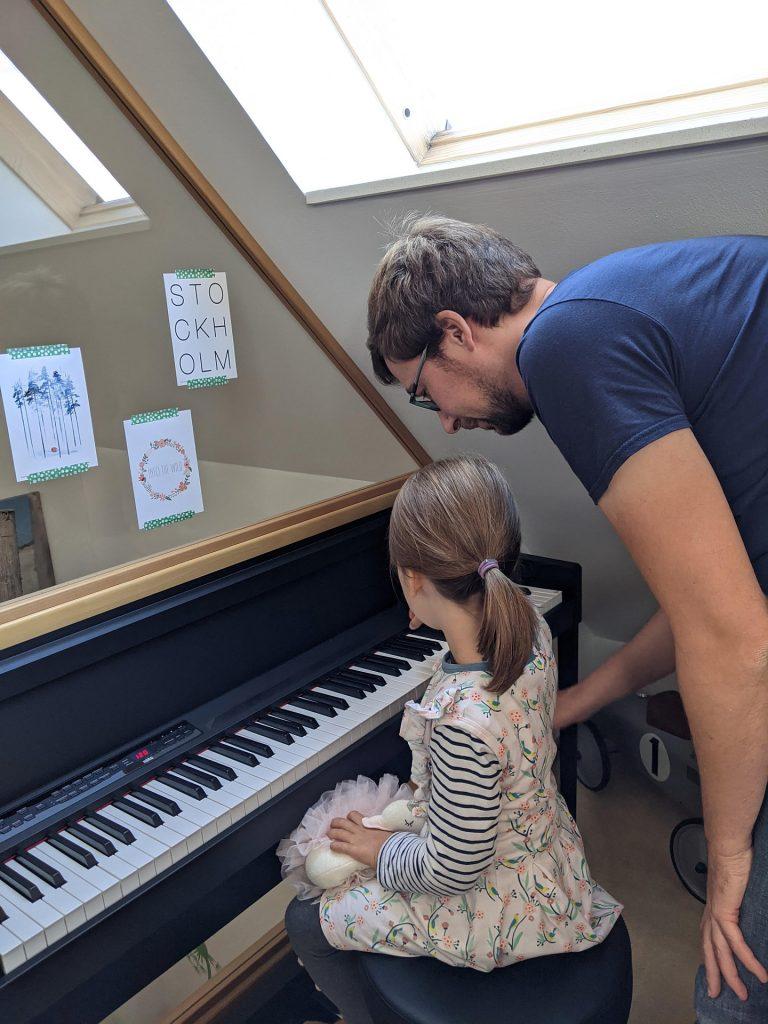 Klavier spielen Kinder