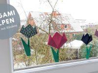 Origami-Tulpen als Fensterdeko-Idee