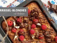 Rezept: Kinderriegel-Blondies mit Himbeeren