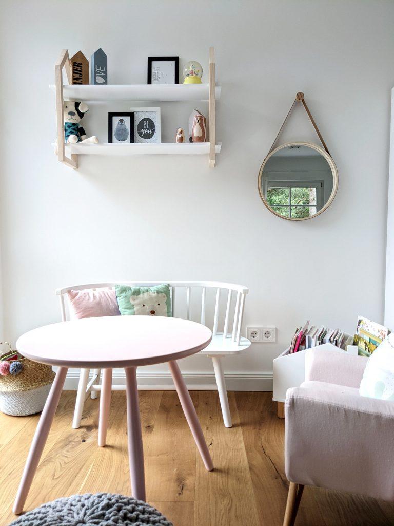 Mädchen-Kinderzimmer skandinavisch einrichten